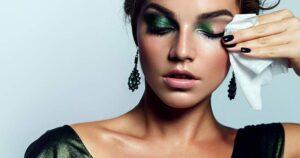 موارد استفاده از دستمال مرطوب آرایش پاک کن